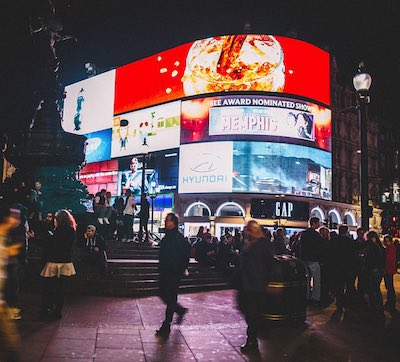 advertising-excellence-media-advertising-socials-management-paid-media-outdoor-advertising-london