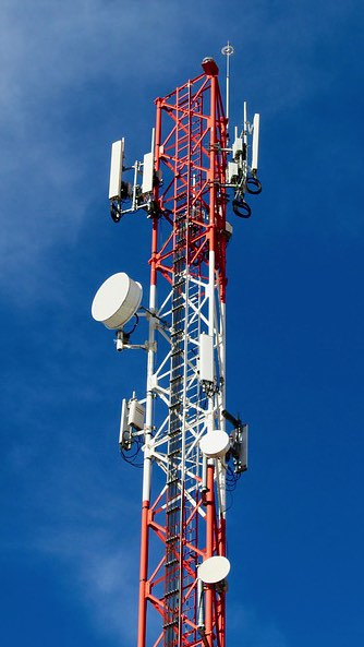 advertising-excellence-media-advertising-telecoms-mast