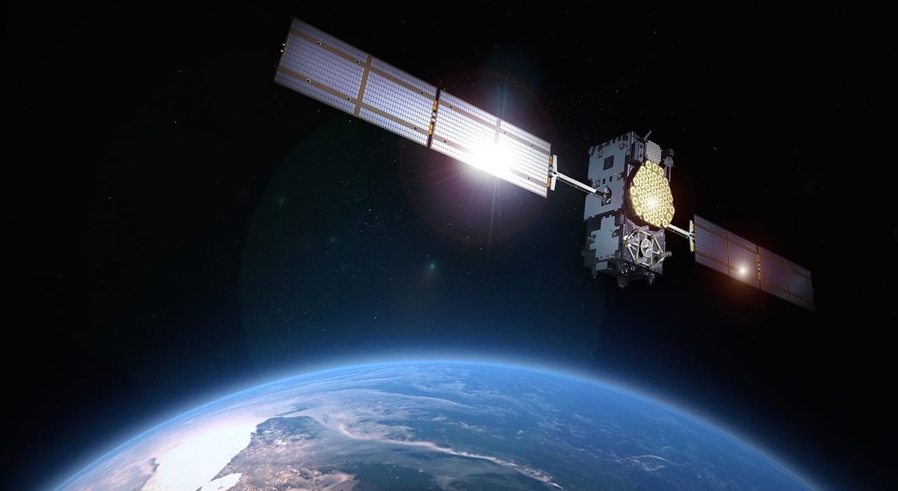 advertising-excellence-media-advertising-telecoms-earth-satellite
