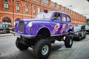 advertising-excellence-media-advertising-gallery-cadbury-london-taxi